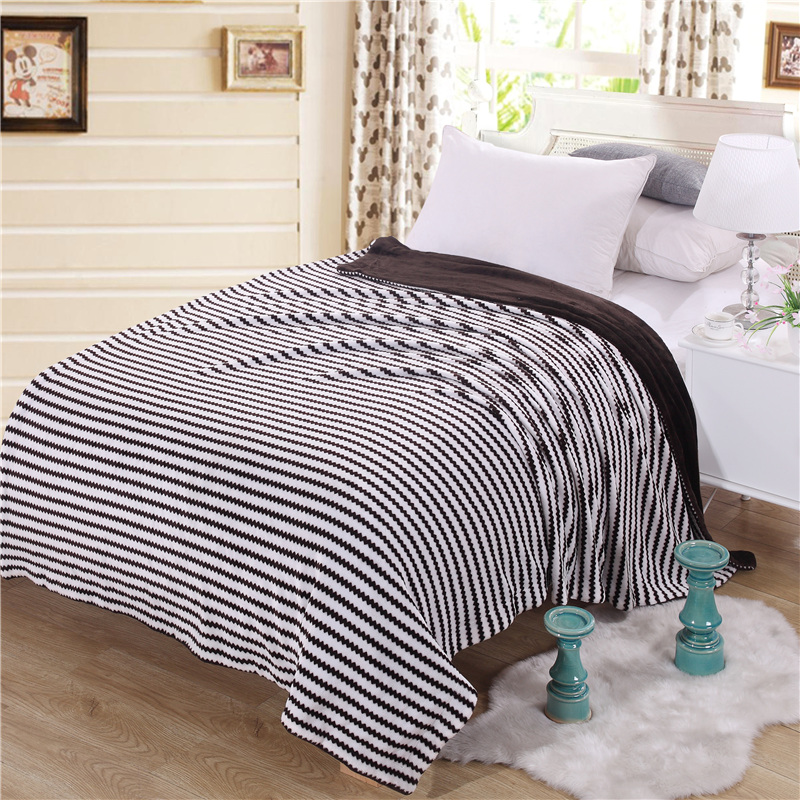 New Hot Brand logo Flannel Blanket cashmere Adult Thick Warm winter Cover Plaid Home Super Soft Fleece Sheet Blankets BLACKNew Hot Brand logo Flannel Blanket cashmere Adult Thick Warm winter Cover Plaid Home Super Soft Fleece Sheet Blankets BLACK