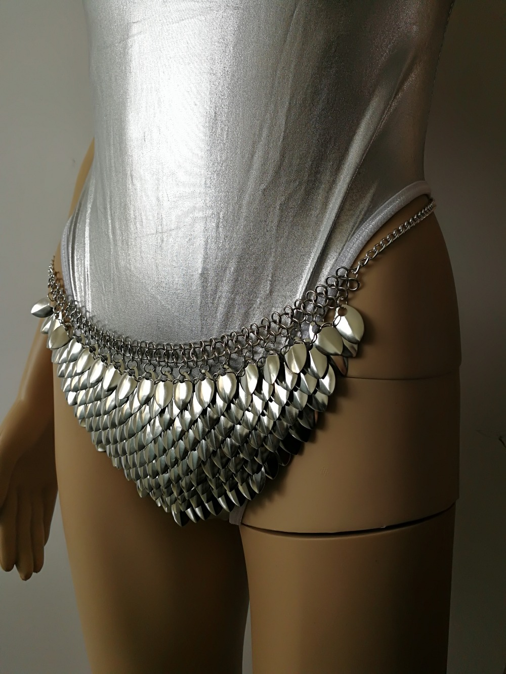 New Fashion Style B754 Silver Scalemail Mermaid Fish Scales Loin Cloth Skirt Chainmail Belly Chains Jewelry Layers Waist Chains недорго, оригинальная цена