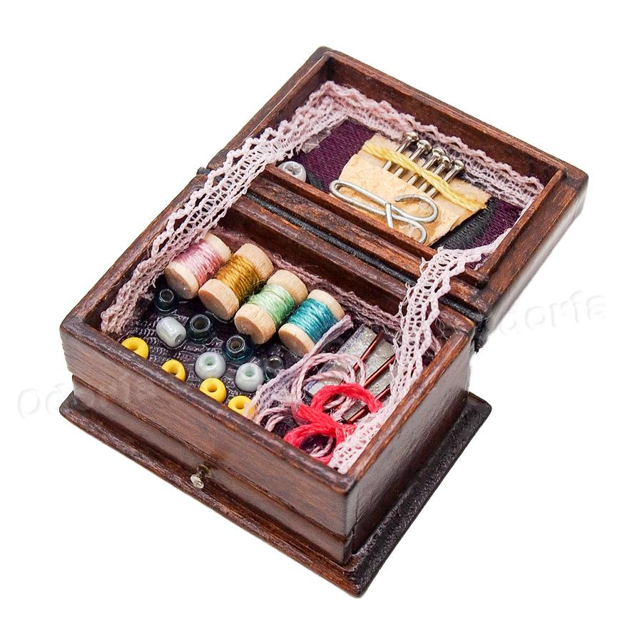1Pc 1:12 Miniature Sewing Box with Scissors Kit Dollhouse Decoration Accessor Tu