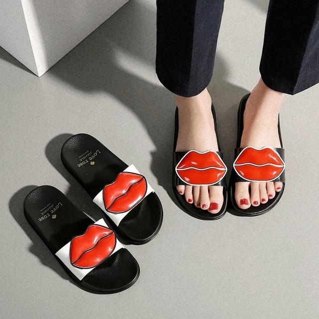 Летние туфли женские шлепанцы; Милые Пляжные шлепанцы с губами; сандалии без застежки на платформе; женская обувь; Вьетнамки; zapatillas mujer