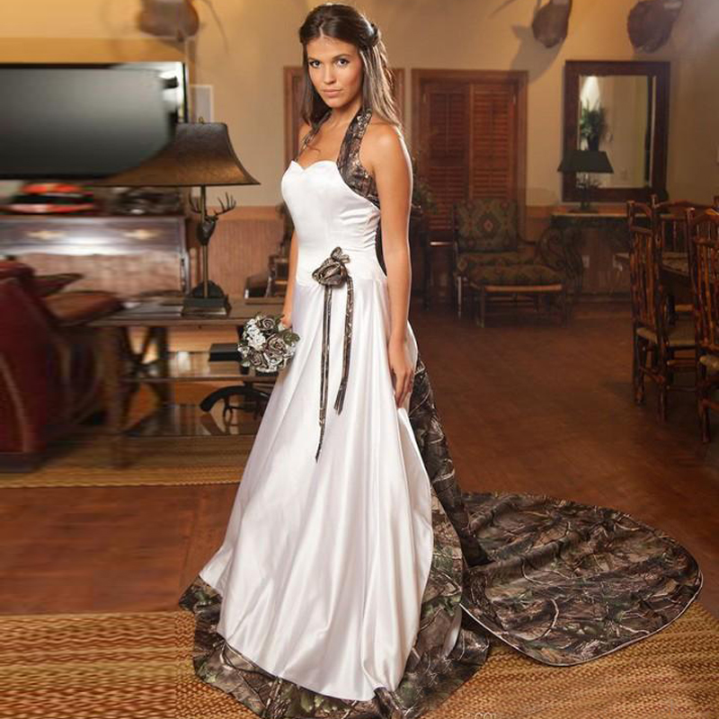 2017 Halter Camo Wedding Dresses A Line Court Train Realtree Bridal