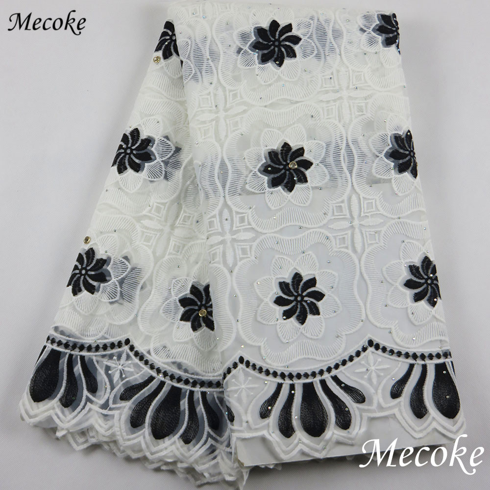 2019 Latest Nigerian Black White Guipure Lace Fabric High Quality African Laces Fabric For Wedding Dress French Tulle Lace Products Hot Sale Fabric
