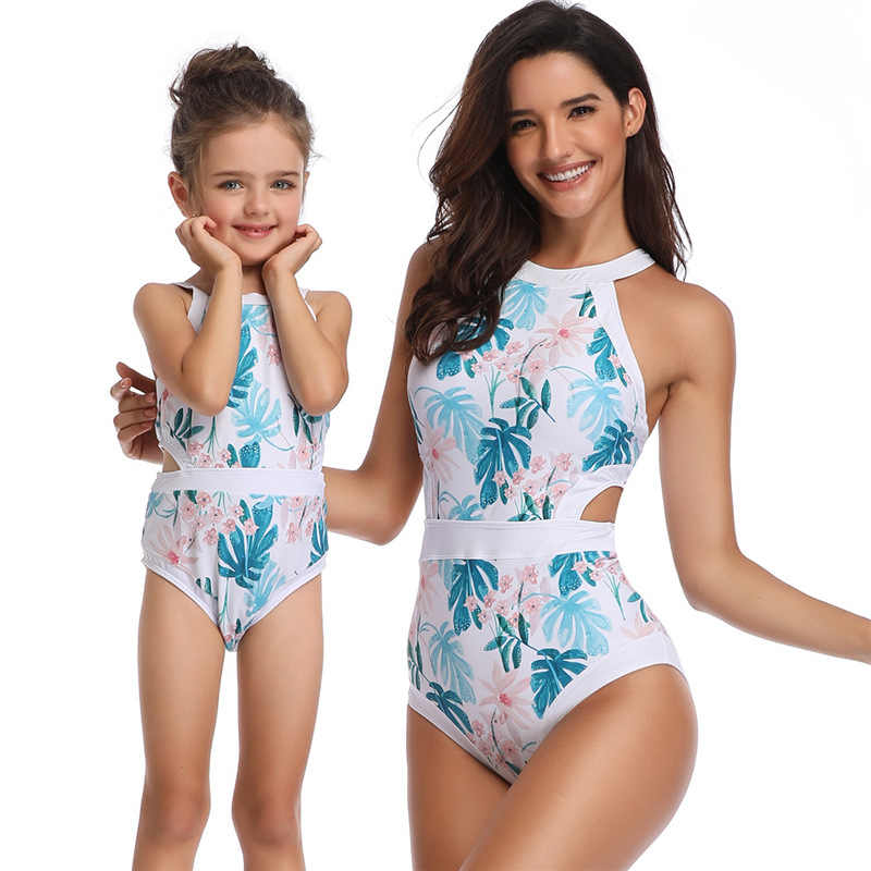 33e2204dd7554 Mom And Daughter Floral Swimwear Clothes Bikini Women Girls Family Matching  Swimsuit Clothing For Mother Daugther