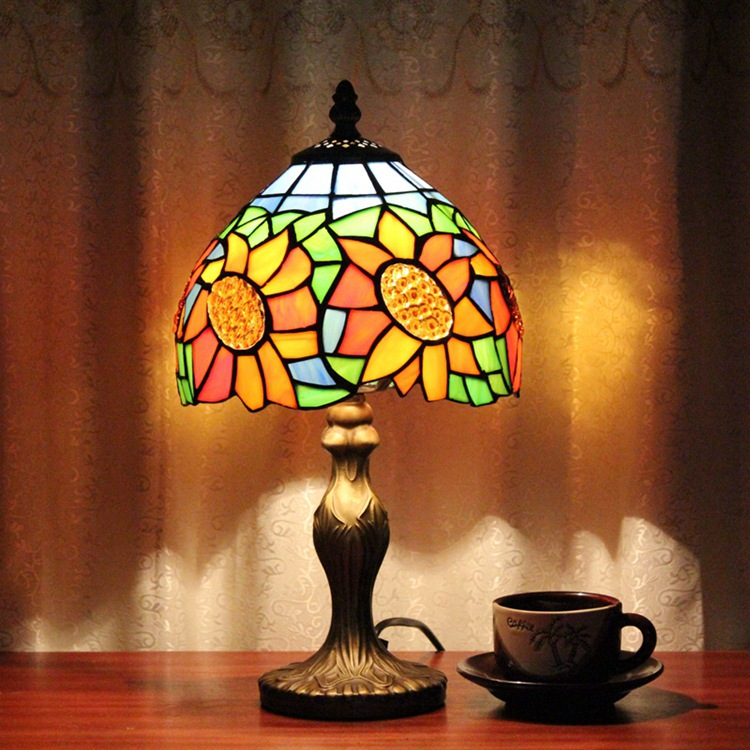 Stained Glass American country garden Creative Retro Art bedroom Bedside decorative desk lamp 110-240V Ornament lighting E27 originality stained glass garden flower desk lamp american pastoral countryside hotel barbedside led lamp 110 240v dia 20cm