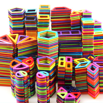 1 sztuk układanki magnetyczne bloki konstrukcyjne Model 3D i zabawki budowlane bloki magnetyczne akcesoria edukacyjne zabawki dla dzieci prezent tanie i dobre opinie skxnier Z tworzywa sztucznego SK11 1pcs 2-3Y 4-6Y 10-12Y 7-9Y Mini Size Magenetic Blocks As picture shows Opp bag Educational toys