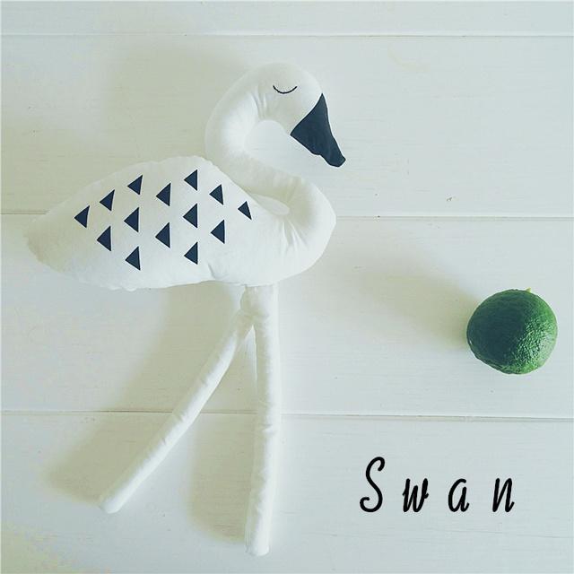 Preço Para 1 pcs black white swan Forma de cisne Crianças Brinquedos macios Bonecas Crianças Cama Quarto Crianças Decorativa Melhor presente