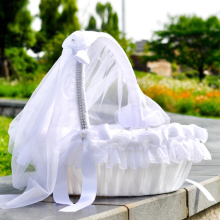 Свадебная Цветочная корзина для девочек, украшенная тюлевой кружевной цветочной стразами, жемчужная лента с бантом, декор белый