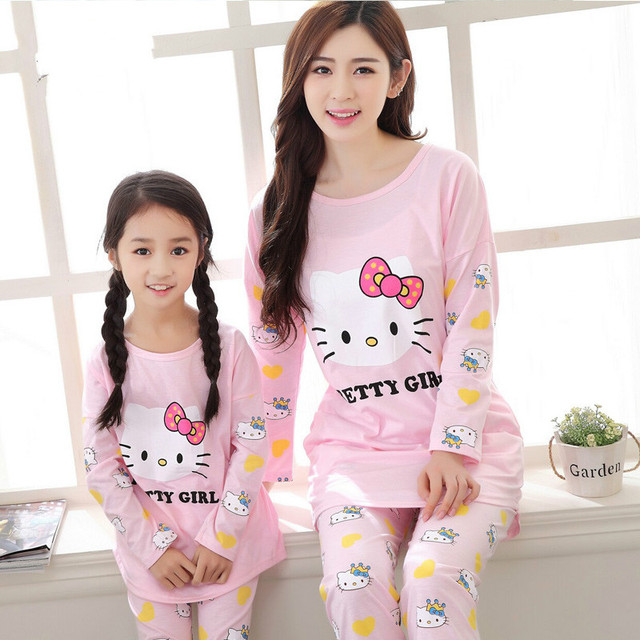 2018 Hello Kitty Family Christmas Pajamas Matching Mother and Daughter  Clothes Cotton Long Sleeve Pajamas Kids f5f998b23