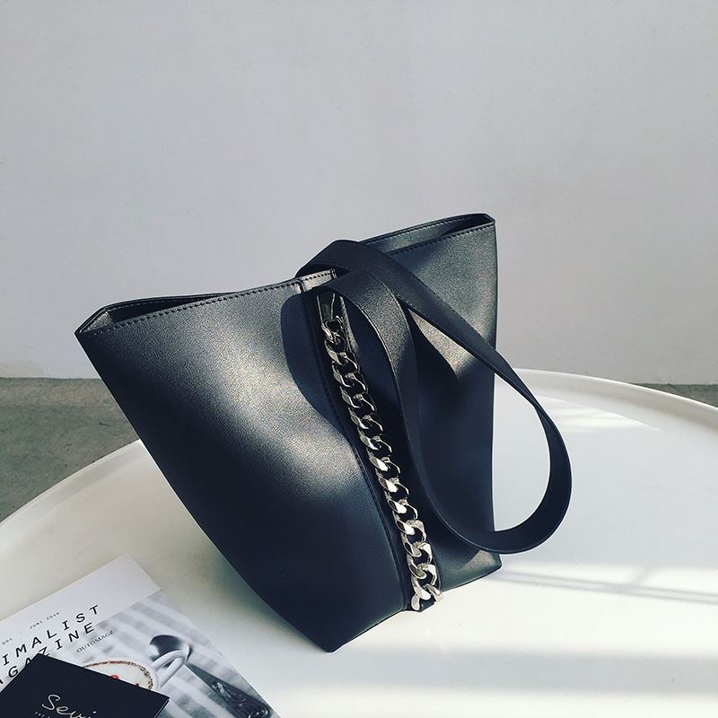 Estelle Wang Bucket Handbag 2018 Fashion Wide Chain Shoulder Bags Women  Leather Capacity Handbags High Quality Composite Bag-in Shoulder Bags from  Luggage ... 3a8987cb6c5a