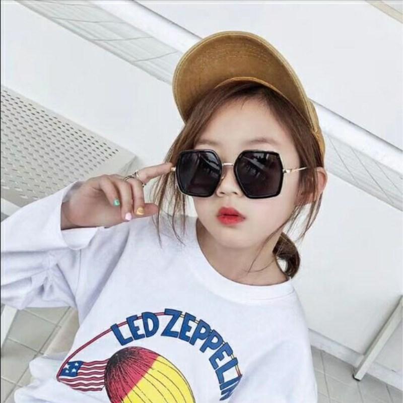 c87fb797b9 KOTTDO gafas de sol de moda para niños Cool Baby oversize marca diseñador  multicolor gradiente lentes gafas Cutie Girls Boys gafas de sol