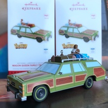 Box Toy Original Musical Toy Christmas Vacation Car Vintage Vehicle with Man Figure Doll PVC Collectible Model Toy for Gifts