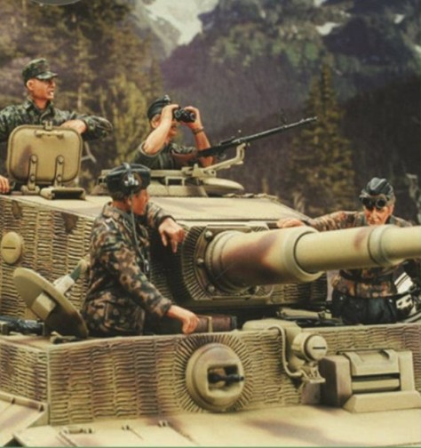1/35 Scale German Panzerkampfwagen VI Ausf. E Tiger I Tank Crew WWII Miniatures Unpainted Resin Model Kit 4 Figure