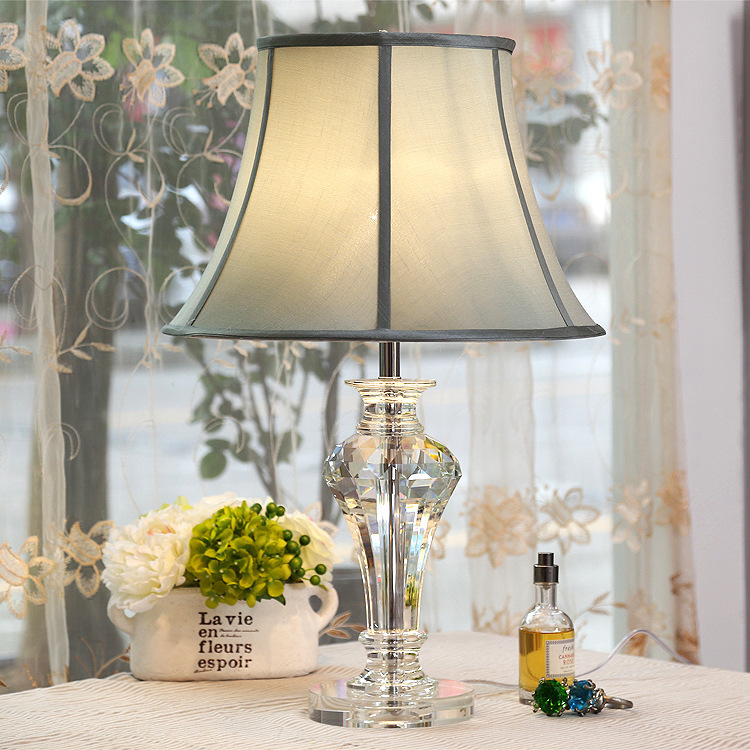 Modern Crystal Bedroom Table Lamp Fabric Lampshade Living Room Decoration Abajur Table lamp For Bedroom Lamparas De MesaModern Crystal Bedroom Table Lamp Fabric Lampshade Living Room Decoration Abajur Table lamp For Bedroom Lamparas De Mesa