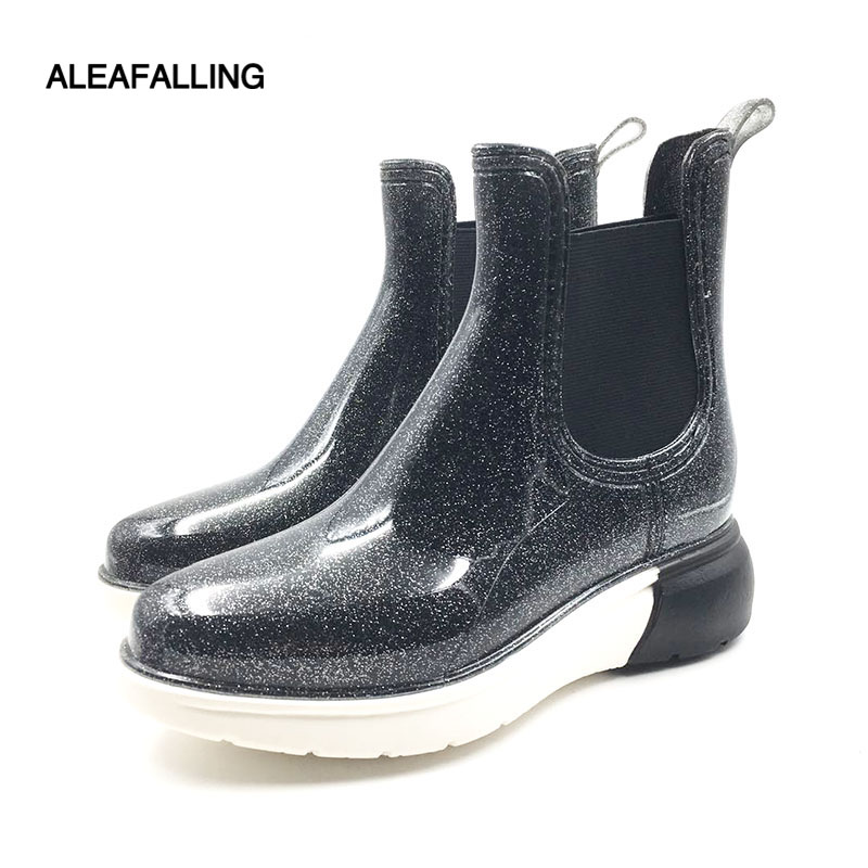 Aleafalling 2018 New Fashion Women Rain Boots Slip On Side Elastic Band Girl's Outdoor Street Charming Rain Shoes W205 manji baby boys clothing sets 0 3y autumn 2018 new fashion cotton turn down collar plaid 18053 kids clothes boys clothing suit