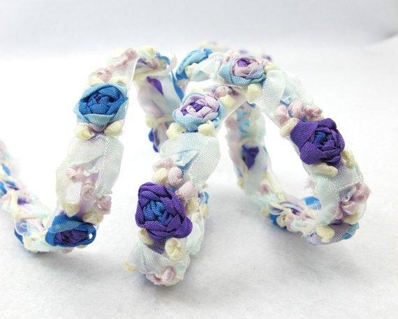 Cores | Bordado Rose Bud 10 | Malva | Guarnição Da Fita Da Flor Branca | Recados | Boneca Rendas | Colcha | Couture | | Fontes do Ofício de costura DIY |