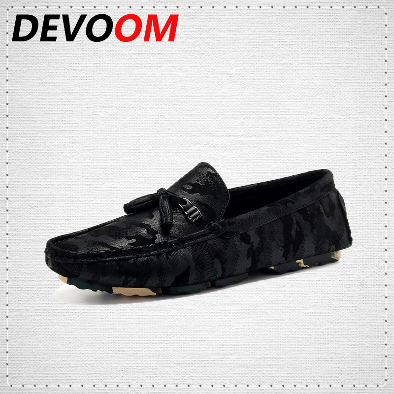 DEVOOM Soft Moccasins Men Loafers Gommino Driving Shoes Brand Fashion High Quality Genuine Leather Shoes Men Camo Boat Flats top british slip on men loafers genuine leather men shoes luxury brand soft boat driving shoes comfortable men flats moccasins 2a