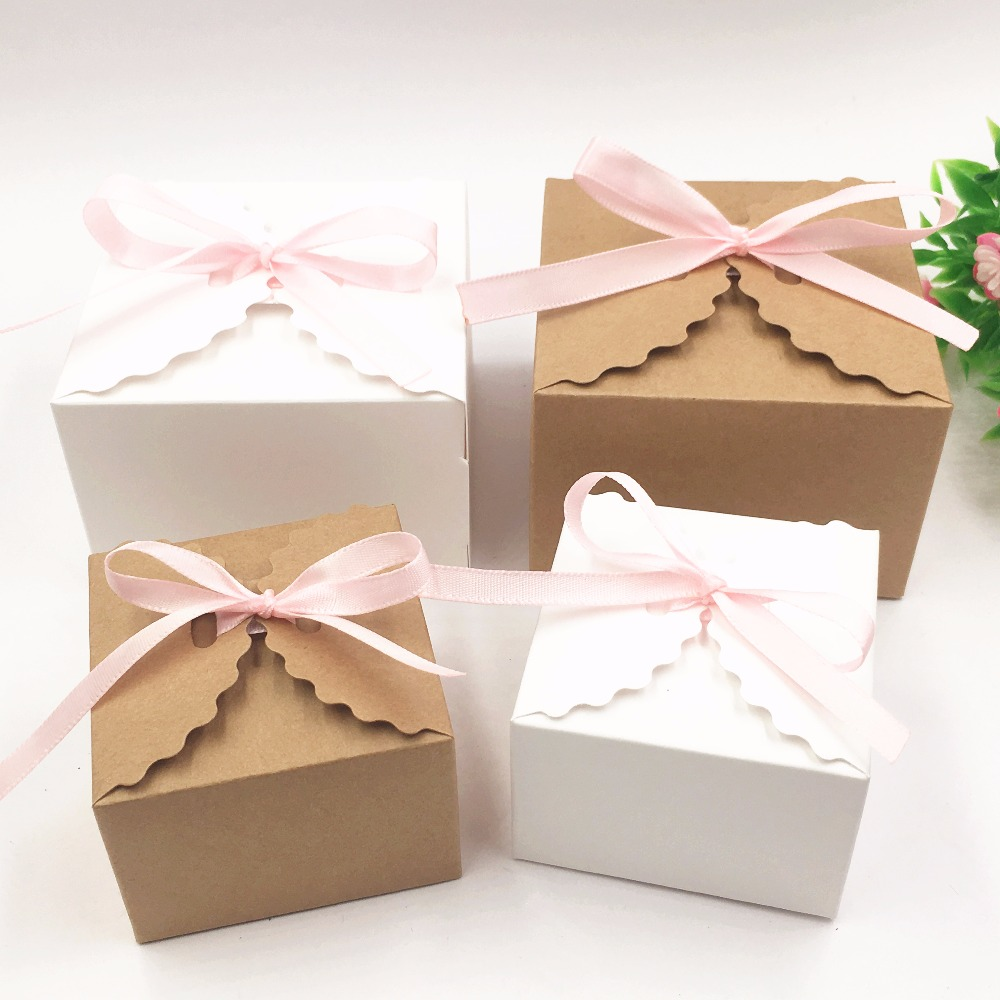 30pcs/lot Kraft Paper Square Candy Box Rustic Wedding Favors Candy Holder Bags Wedding Party Gift Boxes With Free Ribbon