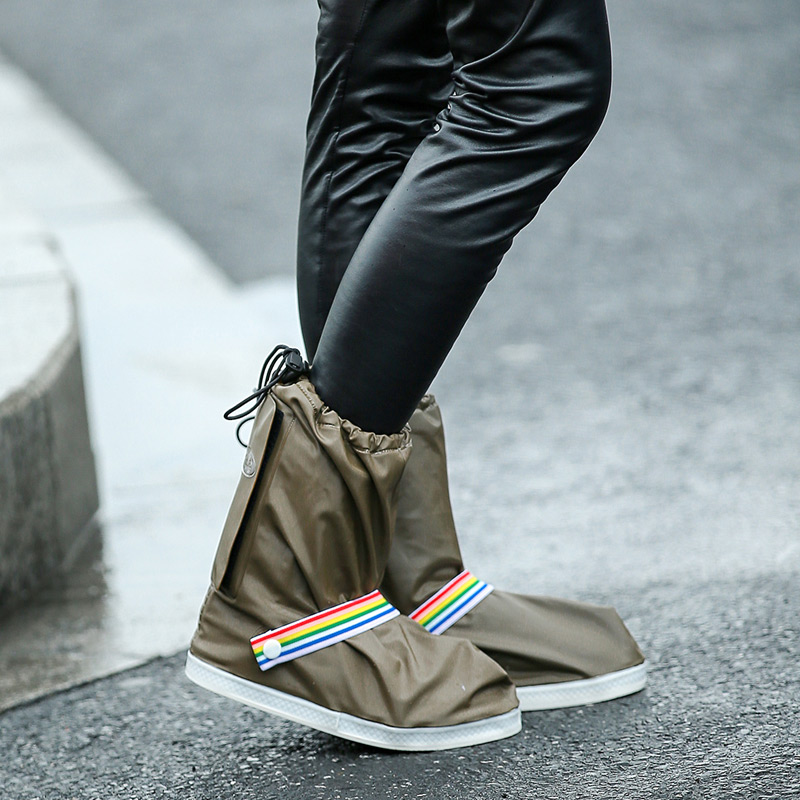 Fashionable and Waterproof Shoe Made of PVC for Women and Men Suitable for Mud Beach and Snow to Keep the Shoes Clean 3