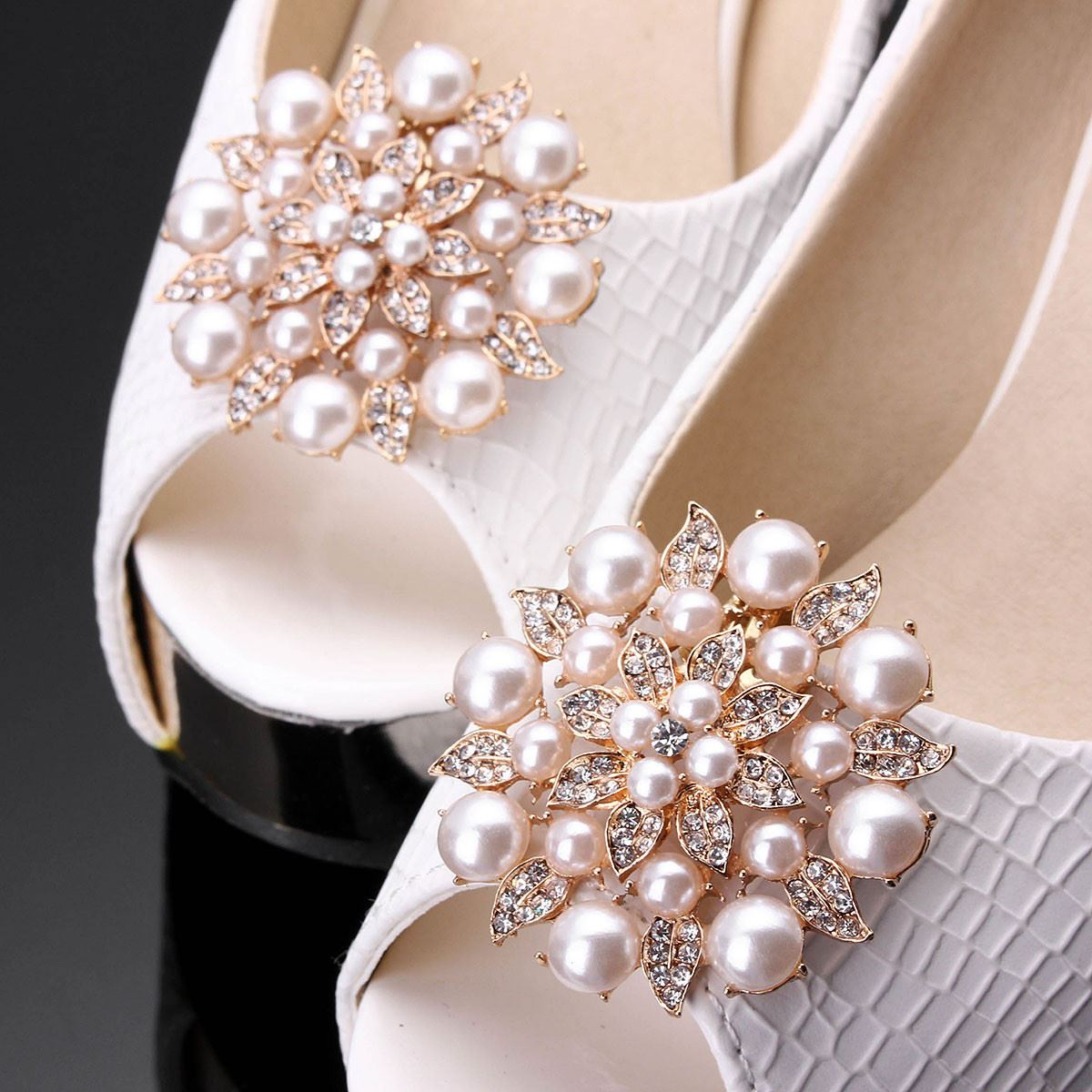 2 Pcs A Pair Shoe clips decorative, Accessories crystal rhinestones charm metal material, Faux Pearl Bridal Prom Rhinestone pair of graceful rhinestone faux pearl embellished earrings for women
