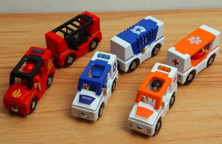 플라스틱 소리 가벼운 자기 작은 기차 나무 철도와 호환 장난감 트랙 소방차, 구급차, 경찰 세트