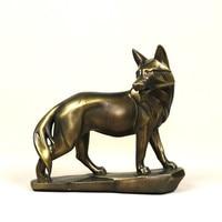 Vigilant Wolf Sculpture Retro Polyresin Carnivorous Animal Statue Wolf Totem Mascot Decor Gift and Craft Ornament Accessories