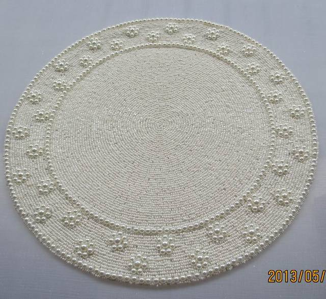 Handmade 35 Cm Posavasos Vintage Round Beaded Placemat White Coaster Red Placemats Manteles Individuales Luxury Table