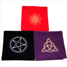 Tarot divination tablecloth sun five-pointed star three goddess velvet thick flannel board game accessories 80*80cm