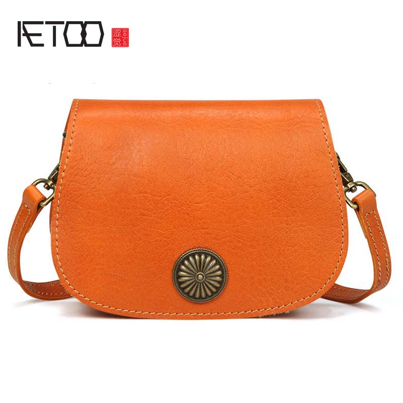 AETOO New handbags fashion retro leather handbags rose imprint ladies diagonal handbag mini shoulder bag women bag new wholesale new explosion landscape shoulder bag handbag fashion handbags manufacturers selling 50