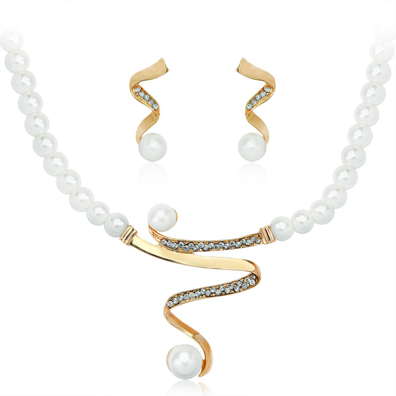 Fashion Simulated Pearl Bridal Jewelry Sets Women Luxury Crystal Imitation Metallic Ribbon Pendant Choker Necklace Earrings Set