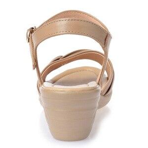Image 3 - BEYARNE 2018 חדש בוהן פתוח סקסי קיץ נשים סנדלי עור אמיתי נעלי סנדלים בתוספת גודל נוח שטוח טריזי סנדלי