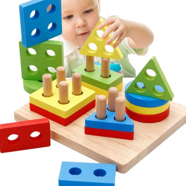 O bebê Caçoa a Íris 4 Coluna De Madeira Geométrica Forma de Correspondência Blocos Define Educacional Brinquedos para As Crianças Animal Empilhamento Oyuncak