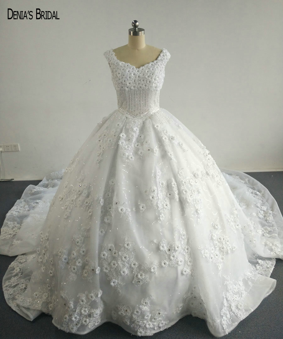 Cathedral Length Train Wedding Gowns: 2017 Ball Gown Wedding Dresses With Handmade Flowers Lace