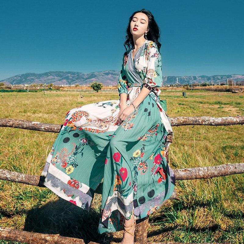 Bohème rétro robe 2019 été fée mince v-cou plage robe Floral imprimé mousseline de soie Maxi robe Sexy tunique bord de mer vacances robe
