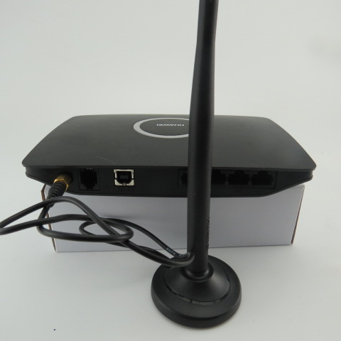Free shipping+Huawei SMA External Antenna+Original Unlocked HADPS 7.2Mbps HUAWEI B660 3G 4 LAN Port Wireless USB Router Support