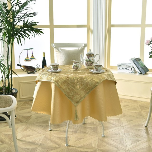 Latest 2 Pcs Set Round 140cm Luxurious Enbroidery Sequin Golden Bar Table Linens Lace Tablecloth