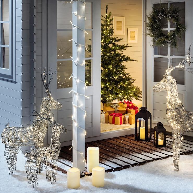 ML100YWC_Warm-White-LED-Christmas-Lights-Snowy-Cabin_P9