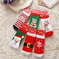 Merry chirstmas calcetines para 1-8years niños feliz lindo encima del tobillo calcetines de la muchacha del muchacho 85% de algodón de dibujos animados calcetines de los cabritos