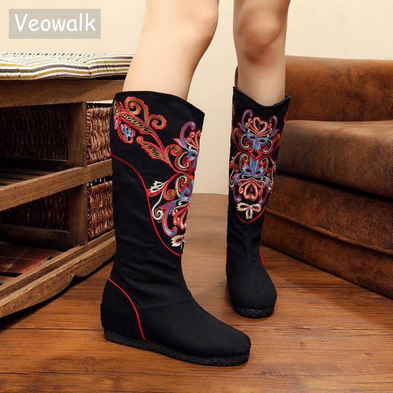 Veowalk Handmade Chinese Autumn Women Boots Floral Embroidery Old Beijing Canvas Platform Shoes Woman Cloth Single Booties vintage pumps spring autumn old beijing embroidery cloth shoes fairy girl embroidered national han chinese women s shoes