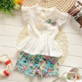 2016 Verão do bebê meninas t-shirt + calças terno rendas Chiffon Floral de algodão meninas terno do bebê da princesa conjunto de manga curta-calções de Flores