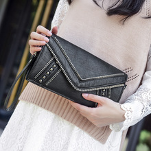 2017 Brand Paste Punk Rock Style Women Clutch Genuine Leather Sheepskin Female Crossbody Bag Envelope Shape Black Purse Chain