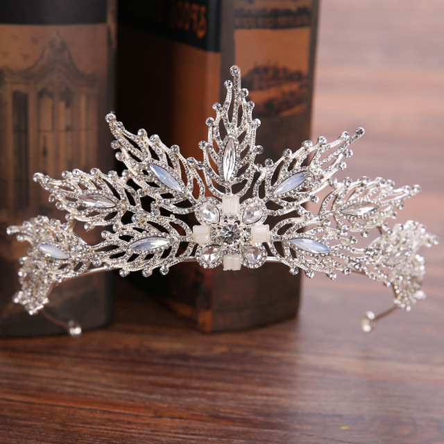 DIEZI Baroque Leaves Wedding Crown For Women Queen princess Crystal Bridal Tiaras Crown Tiaras Headbands Hair Accessories