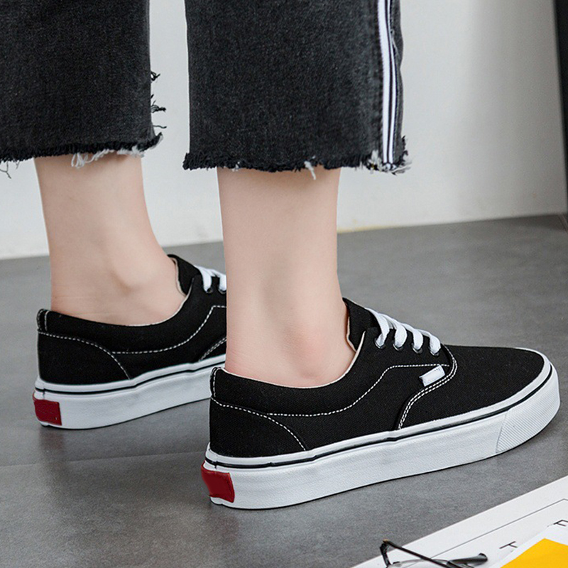 Vogue Mulheres Agradáveis Sapatos de Lona Sapatilhas Meninas Sapatos de  Skate Moda Sapatos Casuais Tenis Feminino Femme Californias Skater Girl em  Vulcanize ... 9736c63df9