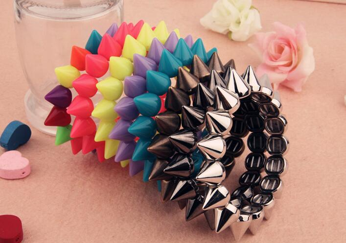 B012 New Arrival The United States jewelry spikes rivet bracelet British Elastic Stretch Punk Rock Bracelet for girl