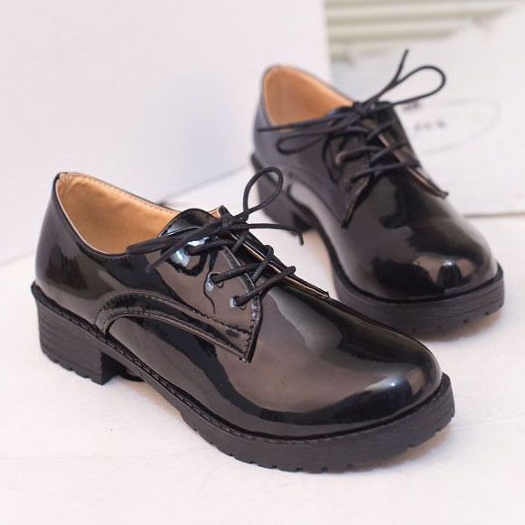 2859e704 New 2016 Patent Leather Oxford Shoes for Women Fashion Round Toe Lace-up Women  Oxfords Vintage British Style Women Flat Shoes
