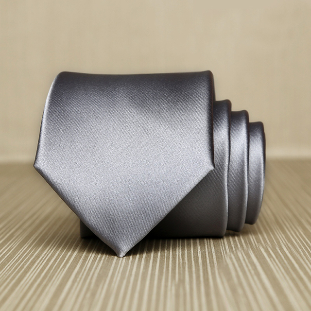 Gravatas de seda para Homens 2017 Novo Luxo 7 cm de Largura Gravata Coreano moda Presente do Negócio Gravata para Terno Gravata Cinza Prata Maciça caixa