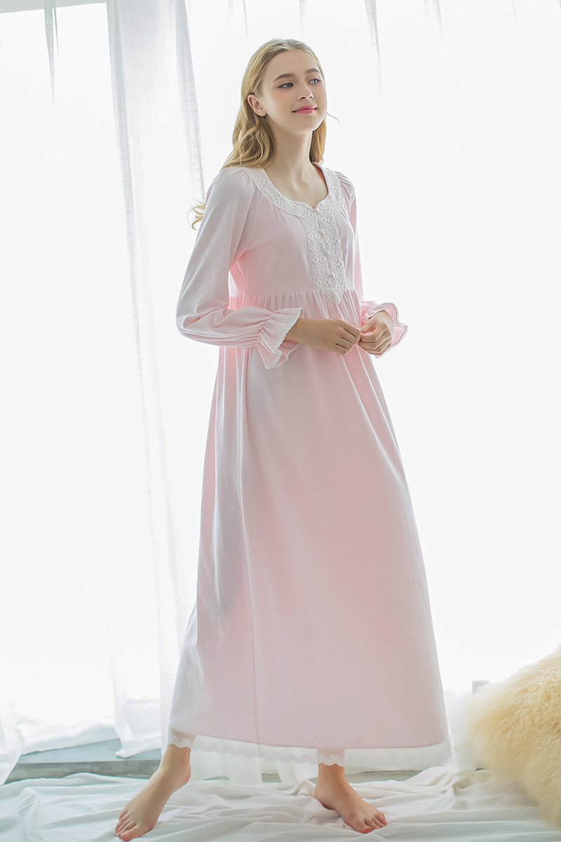 Free shipping autumn vintage royal sleepwear 100 long sleeve free shipping autumn vintage royal sleepwear 100 long sleeve cotton nightgown maternity nightgown white nightdress female in nightgowns sleepshirts from ombrellifo Choice Image