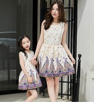 Mother Daughter Dresses Spring Summer 2016 Children Girls Strapless Dress Family Matching Outfits