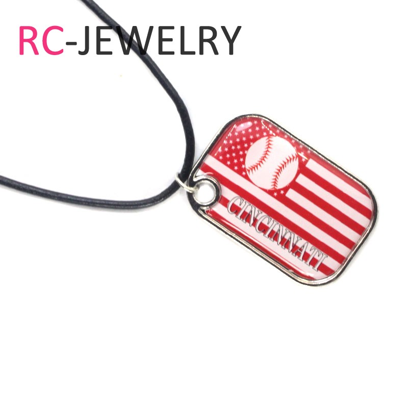 10pcs/lot Crystal Heart Cincinnati Reds Necklace Jewelry pendants With 50cm Chains Baseball Sports Necklace Jewelry Charms