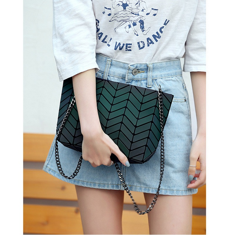 SMINICA European Style messenger bag for girls summer Luminous Geometric Small Crossbody Bags Women 2017 Evening Clutch Flap bag 2016 new spoof graffiti handbags small flap crossbody bag women messenger bags european and american style d1391