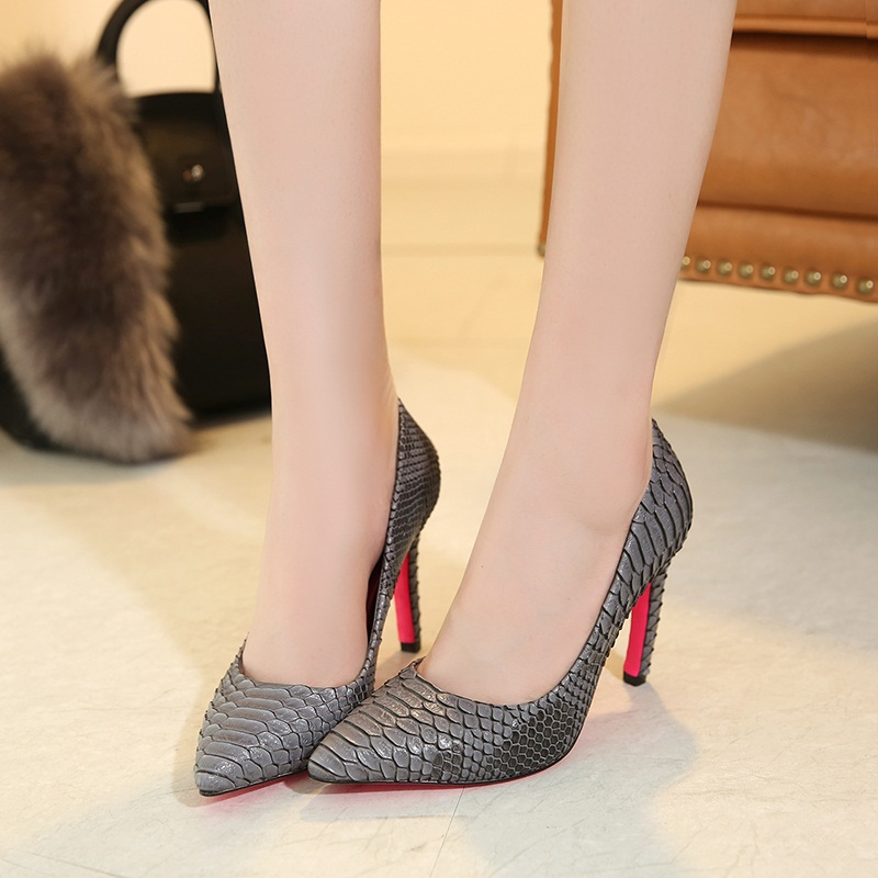 Mature in high heels pics